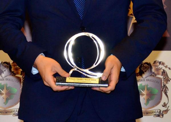 <p>Premio a la empresa del año – Categoría: Seguridad–. Gracias a la calidad de nuestros servicios</p>  - Velours International